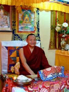 Ven. Kempo Lekshey en Sakya Drogon Ling.